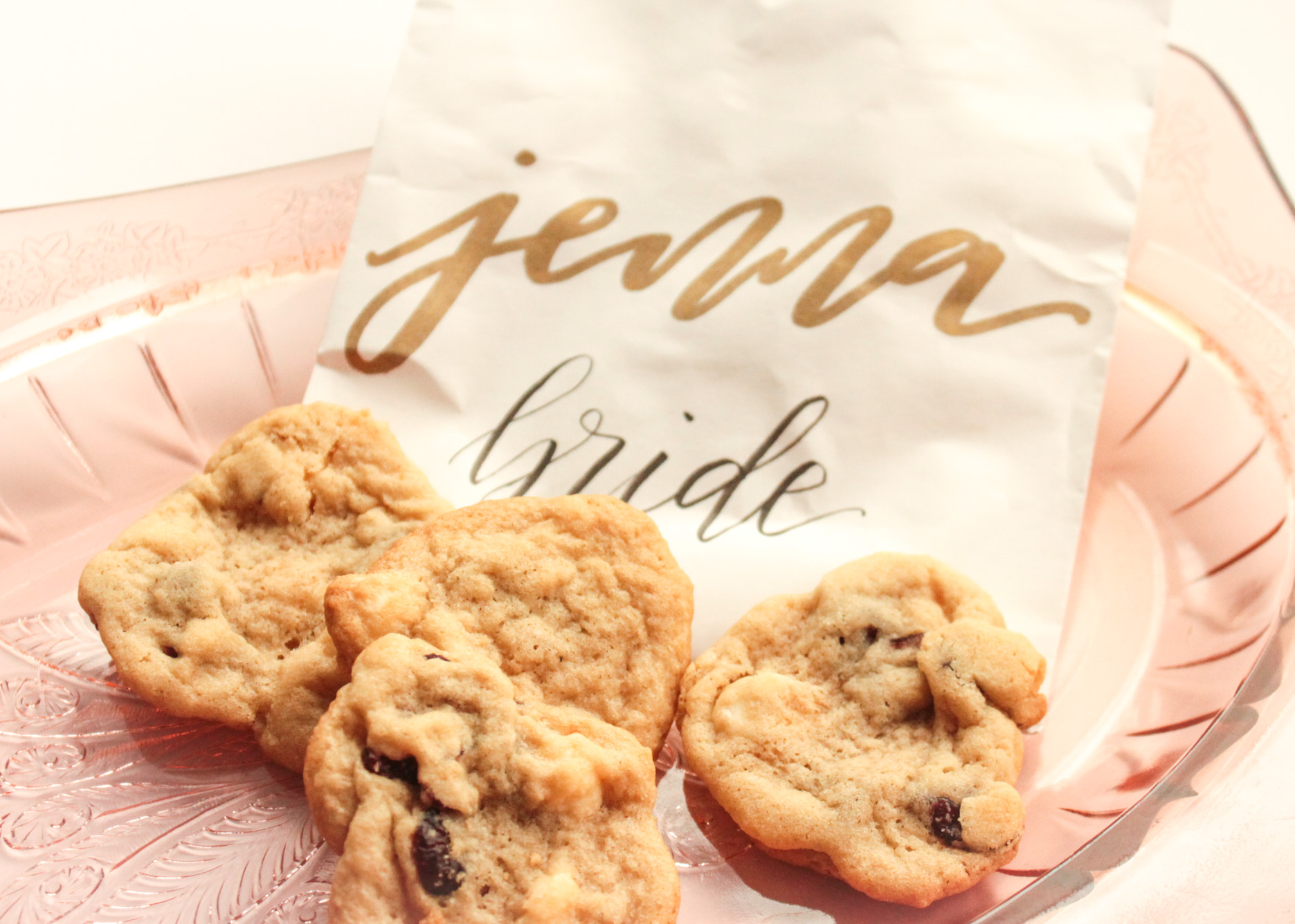 """Bridesmaid Gift Guide – Before the """"I Do's"""""""